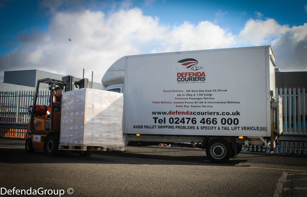 Pallets & Large Parcels in Lutons tail lift or Low Loaders